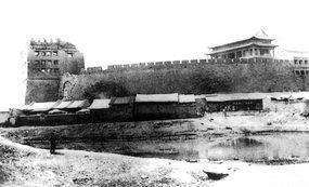 被八国联军烧毁的朝阳门箭楼