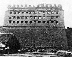 被摧毁的朝阳门城楼