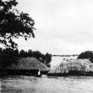 被长江大水淹没的房屋