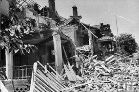 战争中被炸毁的房屋