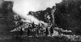 1945年解放沁阳县城时炸毁的城墙