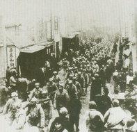 安徽市民夹道欢迎解放军进城