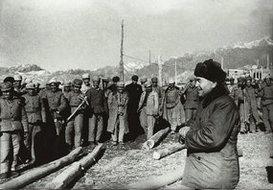 包尔汉视察喀什
