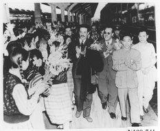阿尔及利亚艺术团到达上海