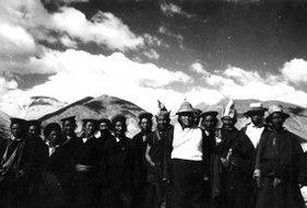 日土宗、僧、俗、官员迎接解放军