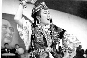 苏联代表团演员演唱歌曲
