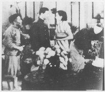 1933年明星影片公司摄制的《狂流》剧照