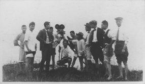 20世纪20年代中期上海明星电影公司在进行外景拍摄