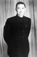 1949年梅兰芳摄于上海新闻路青春像馆