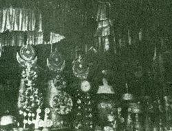 班禅祈祷世界和平时向宗喀巴佛像所献供品