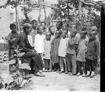 传教士安东尼·科塔和中国孩子