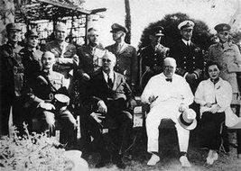 中、美、英三国首脑在开罗会议上